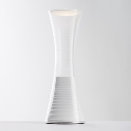 Rechargeable table lamp Artemide