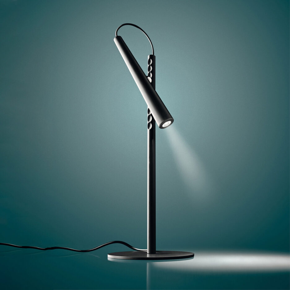 Magneto Led table lamp by Foscarini in black